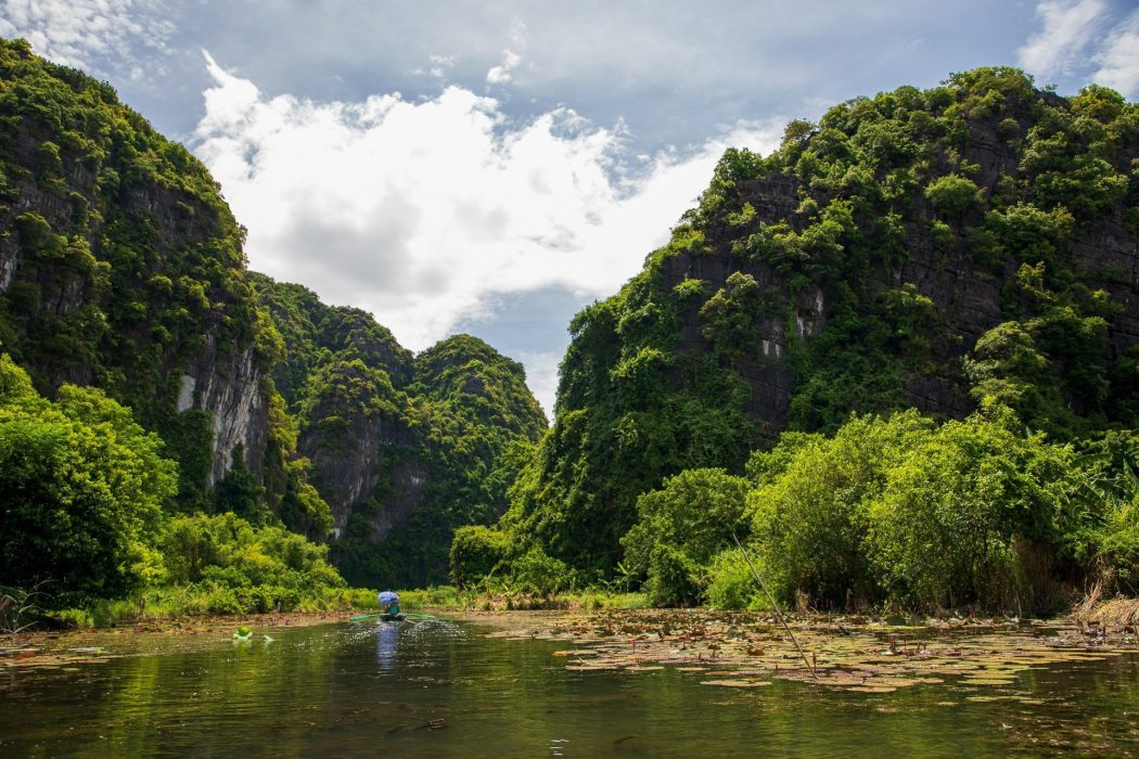 a Samopan ride through Tam Coc