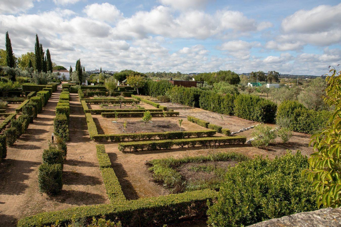 Gardents at Convento Espinheiro Hotel